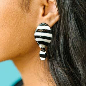 Jewelry - Twisted drop black and white striped earrings